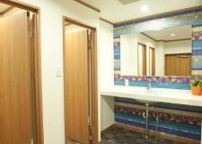 Men's shower rooms