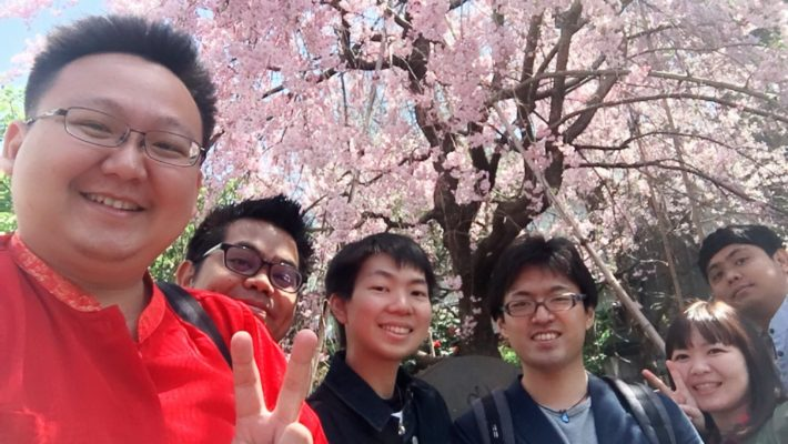 A wonderful moment & spot for cherry blossom viewing at Gumyoji