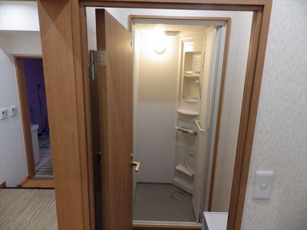 シャワー室③