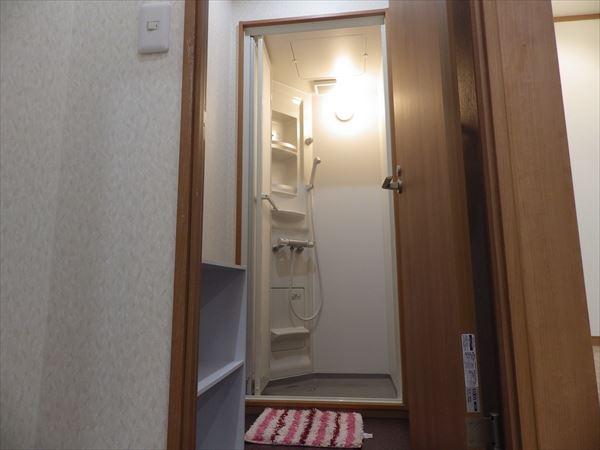 シャワー室④