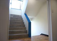 階段も各フロアに併せて異なります。