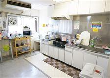 キッチンスペース。キッチン用品ももちろんあります!
