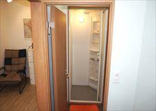 シャワーユニット、個室脱衣所もあります。