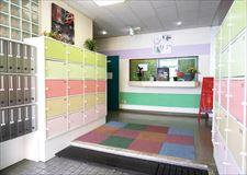 広々したエントランスには各部屋ごとの靴箱とポストがあります!