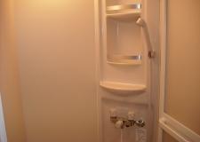 シャワー室も清潔感あり!