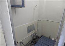 シャワー室は2基。ハウスも小さいので混み合う事はありません。