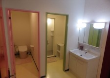 女性専用トイレとシャワー