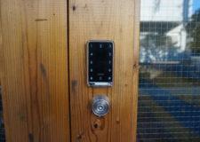 Electric auto-locked key