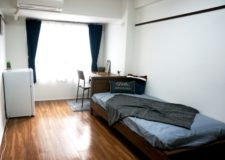 Bed/Air Conditioner/Refrigerator/Study desk are included