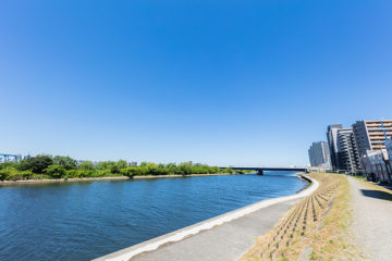 Enjoy the riverbed of the Tama River at this time of year! @ Mizonokuchi 100+a