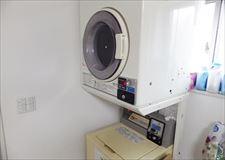 下に洗濯機。上に乾燥機です。