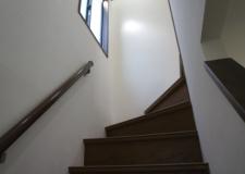 採光がしっかりある階段。