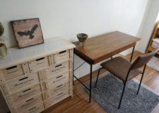 こだわった家具や机椅子です。
