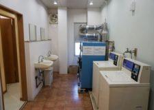 スペースに余裕のある洗面所になります。
