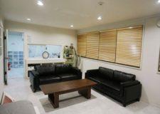 床材を張り替え家具も新調した広々としたリビング!