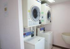 コイン式洗濯機&乾燥機。同じく各階に設置されています。