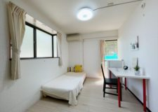 105号室☆各室ベッド・エアコン・冷蔵庫あり!