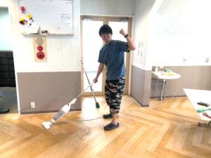 リビングの床を清掃だ!@ファーストハウス横浜青葉