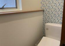 トイレは3箇所 キリッとスマートに。女性専用もあり。