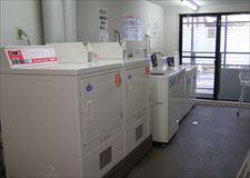 洗濯機4台&乾燥機2台