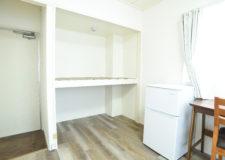 各部屋に大きな収納棚がついているので荷物が多くても安心です!